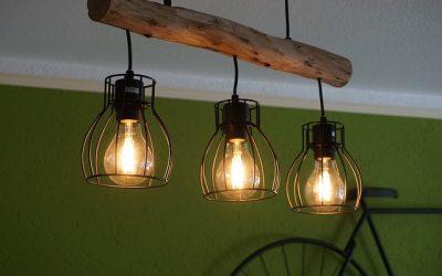 Lampe en suspension : un accessoire qui ne passe pas inaperçu dans une cuisine